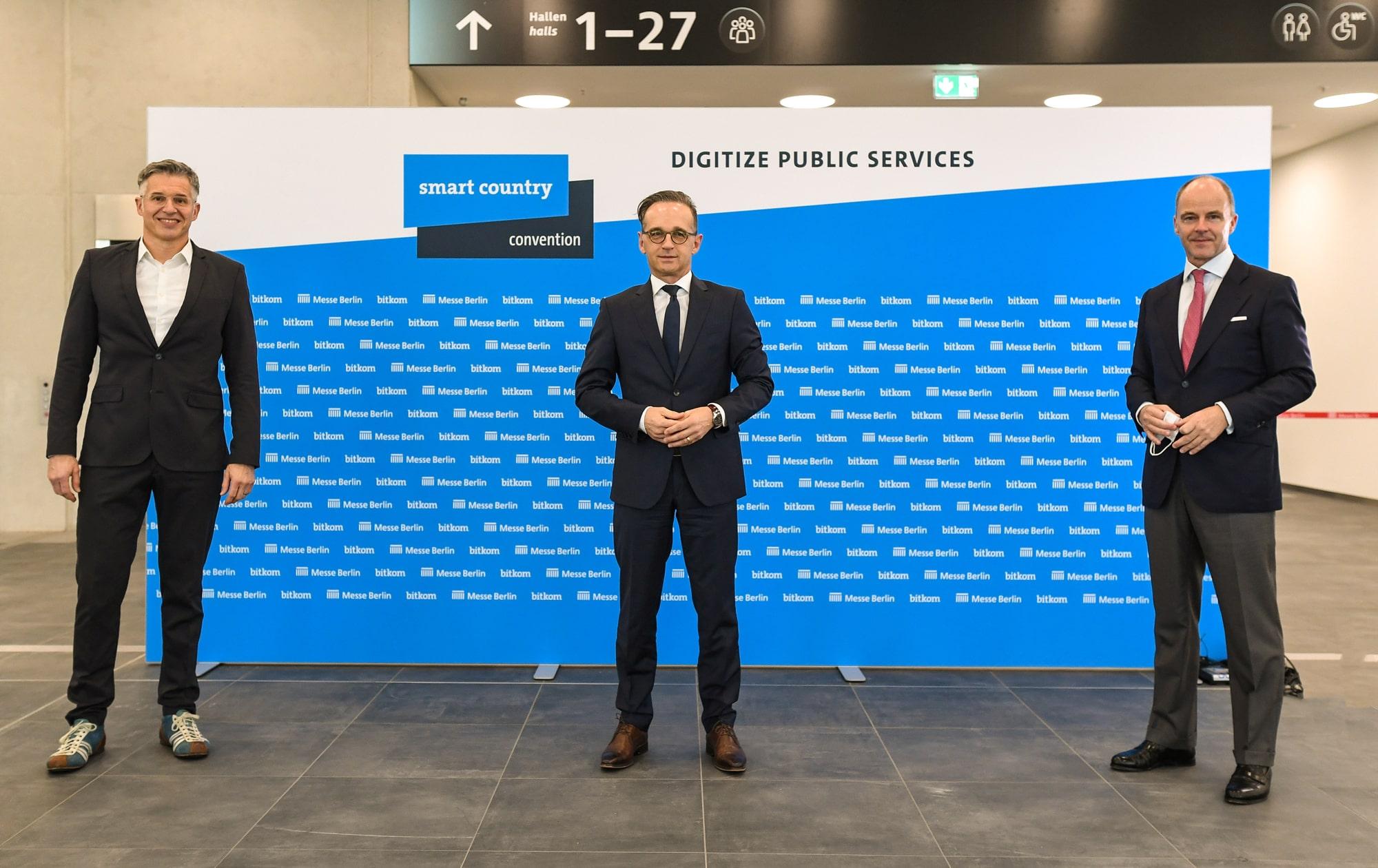 Bernhard Rohleder, Heiko Maas und Christian Göke auf der Smart Country Convention 2020