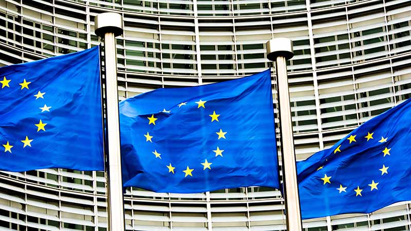 EU-Kommission schlägt Verlängerung der Roaming-Regelung vor.